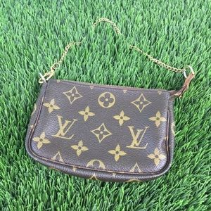 Louis Vuitton Pochette Mini